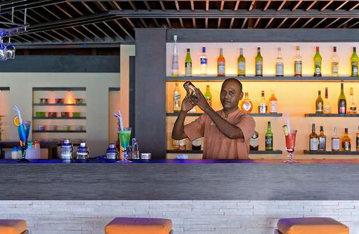 Bar, Barkeeper, Cocktail, Paradise Island Resort & Spa, Maldives
