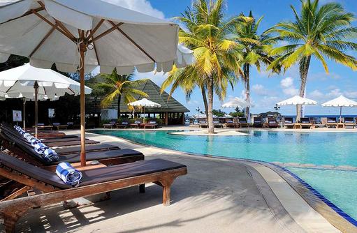 Sonnenliegen, Swimming, Paradise Island Resort & Spa, Maldives