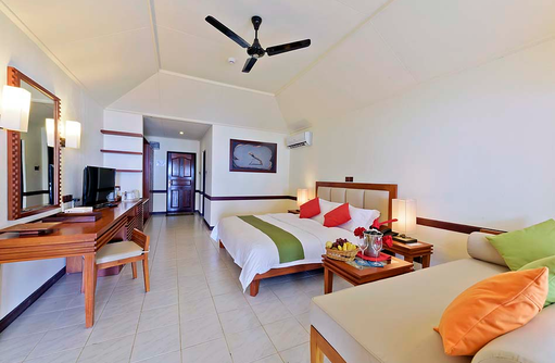 Superior Beach Bungalow, Schlafzimmer, Paradise Island Resort & Spa, Maldives