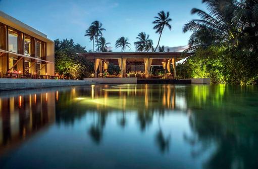 The Bar, Park Hyatt Maldives Hadahaa, Maldives