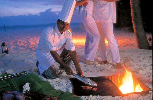 Privates Dinner BBQ am Strand, Reethi Beach Resort, Malediven