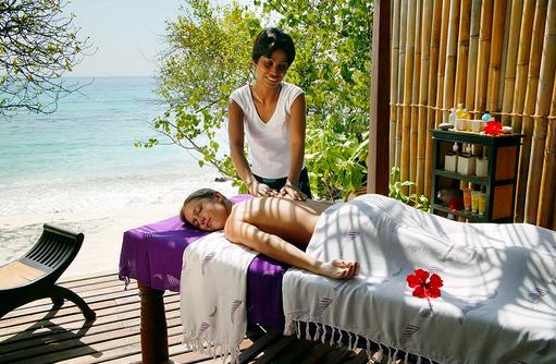 Massage im Coconut Spa, Reethi Beach Resort, Malediven