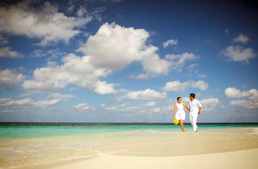 Heiraten auf den Malediven, Strandhochzeit I ROBINSON Club Maldives