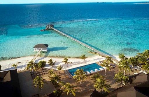 Inselübersicht mit Pool, ROBINSON Club Noonu, Maldives