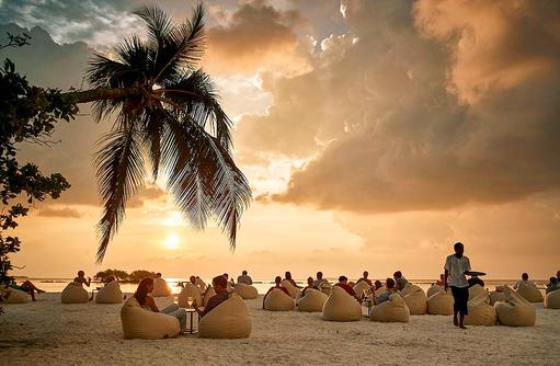 Sundowner am Strand, ROBINSON Club Noonu, Maldives