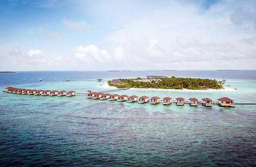 Inselübersicht mit Wasserbunaglows, ROBINSON Club Noonu, Maldives