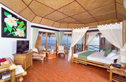 Einrichtung der Wasservilla, Safari Island Resort, Maldives