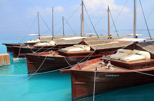 Boote, Safari Island Resort, Maldives