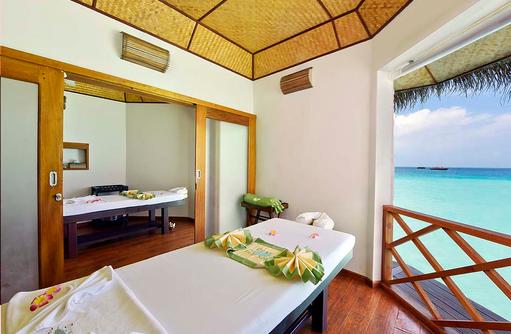 Massage im Spa, Safari Island Resort, Maldives