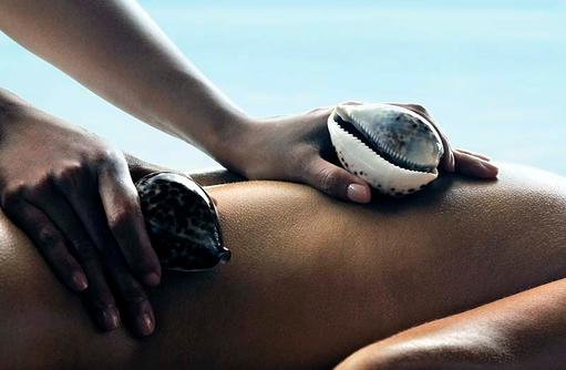 Signature Cowrie Shell Behandlung im CHI, The Spa, Shangri-La's Villingili Resort & Spa, Malediven