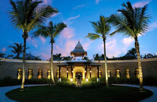 Eingangsbereich Restaurant Dr. Ali's, Shangri-La's Villingili Resort & Spa, Malediven