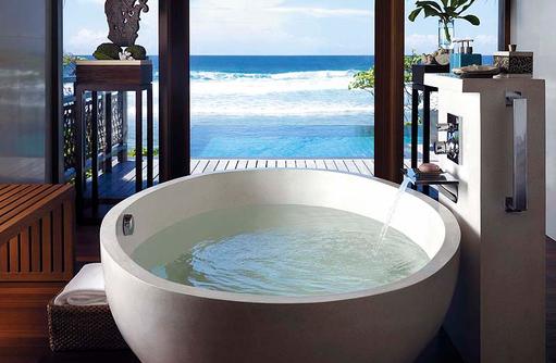 Badezimmer mit Meerblick, Shangri-La's Villingili Resort & Spa, Malediven