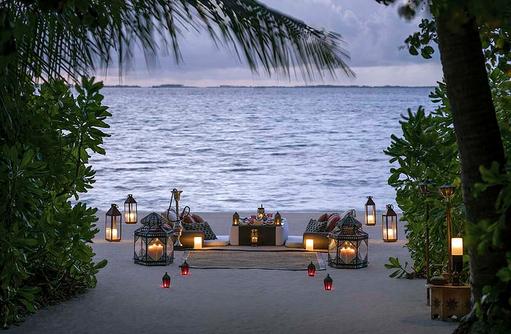 Shisha am Strand, Shangri-La's Villingili Resort & Spa, Malediven
