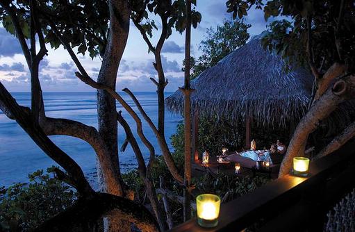 Auszeit am Abend, Shangri-La's Villingili Resort & Spa, Malediven