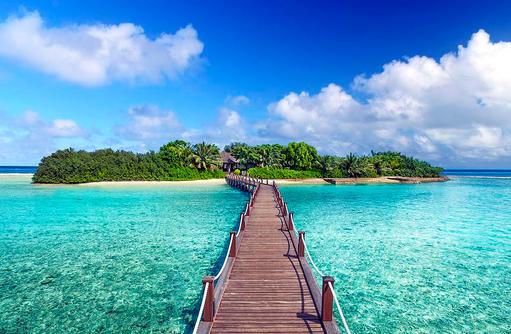 Steg zum Shine Spa, Sheraton Full Moon Resort & SPA, Malediven