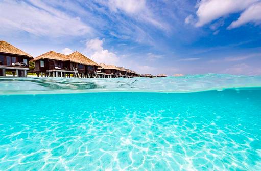 Wasserlinie vor den Water Bungalows, Sheraton Full Moon Resort & SPA, Malediven
