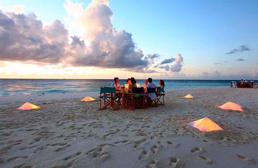 Dinner am Strand, Six Senses Laamu, Malediven