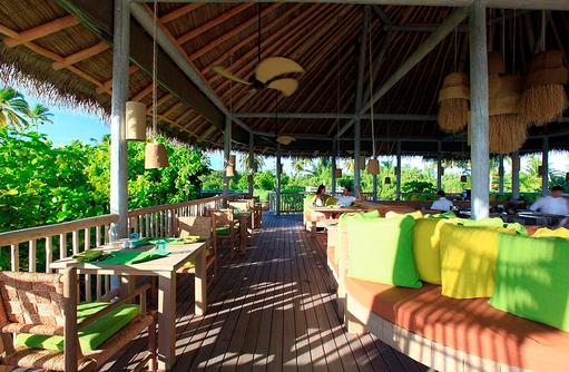 Restaurant Leaf, gedeckter Tisch, Six Senses Laamu, Malediven