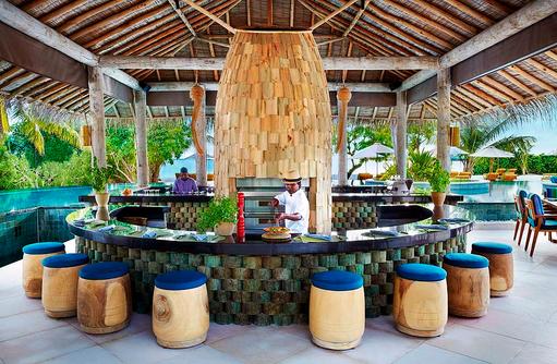 Sip Sip Restaurant und Bar, Pool Bar, Six Senses Laamu, Malediven