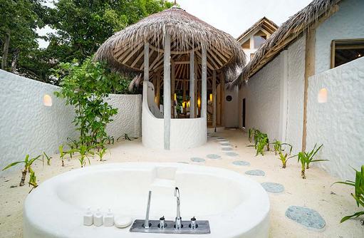 Aussenbad der 2 Bedroom Villa Suite Crusoe, Soneva Fushi, Maledives