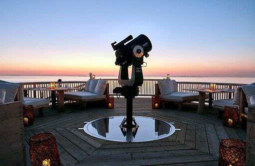 Observatorium mit Sitzgelegenheiten, Soneva Jani, Maldives
