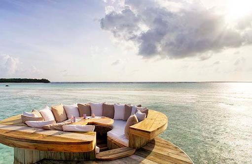 Sitzmöglichkeit in der 2 Bedroom Wasservilla, Soneva Jani, Maldives