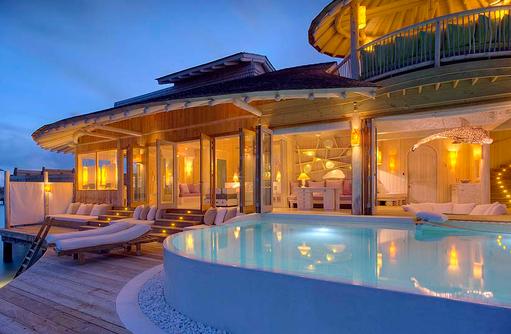 One Bedroom Wasser Villa am Abend, Soneva Jani, Maldives
