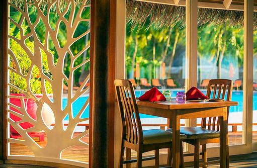 The Aqua Restaurant, Dinner Table, Sun Aqua Vilu Reef Maldives