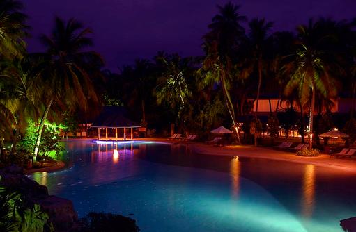 Pool am Abend, Sun Island Resort & SPA, Maldives