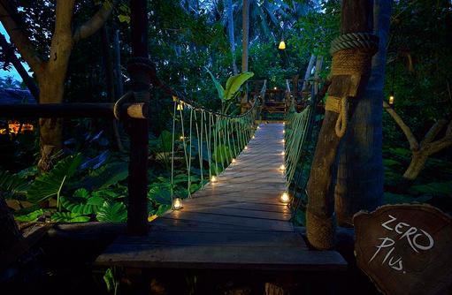 Zero Plus Brücke bei Nacht, Sun Island Resort & SPA, Maldives