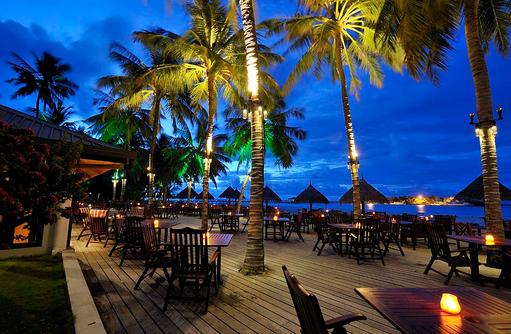 Mekunu Bar am Abend, Sun Island Resort & SPA, Maldives