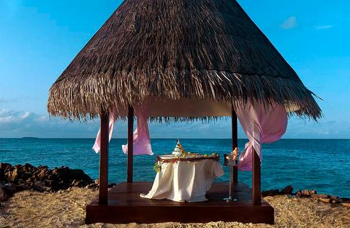 Honeymoon Pavillion, Taj Coral Reef Resort & Spa