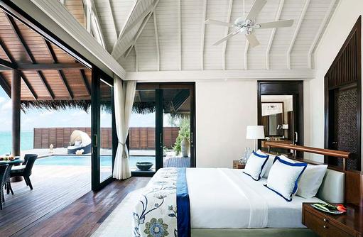 Premium Beach Villa mit Pool, Schlafzimmer, Deckenventilator I Taj Exotica Maldives Resort & SPA