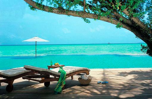 Infinity Pool, Blau in Blau I Taj Exotica Maldives Resort & SPA