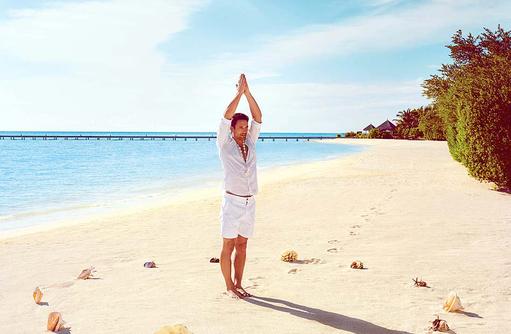 Yoga am Strand I Taj Exotica Maldives Resort & SPA