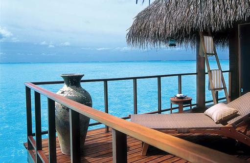 Lagoon Villa, Sonnendeck I Taj Exotica Maldives Resort & SPA