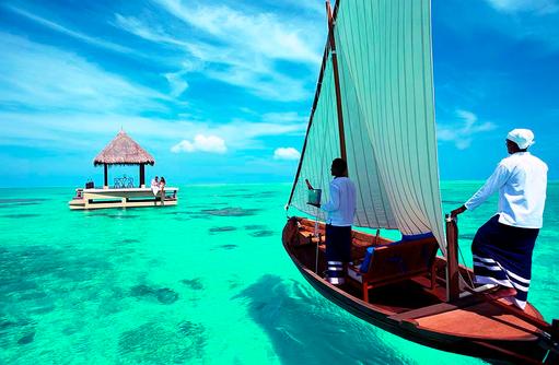 Romantisches Dinner, Ocean Pavilion I Taj Exotica Maldives Resort & SPA