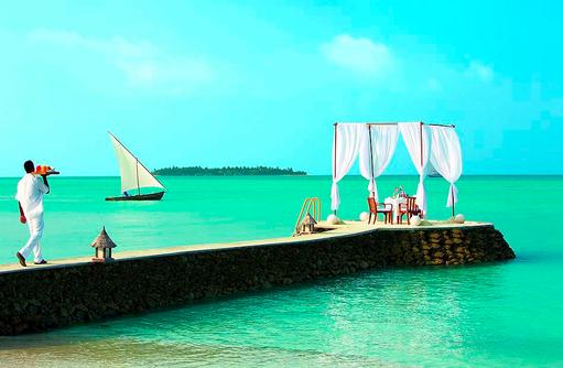 Romantisches Frühstück am Strand I Taj Exotica Maldives Resort & SPA