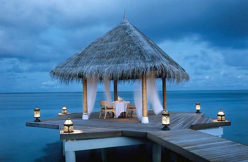 romantischer Dinnerpavilion  I Taj Exotica Maldives Resort & SPA