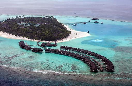 Inselübersicht mit Wasservillen, The Sun Siyam Iru Fushi, Maldives
