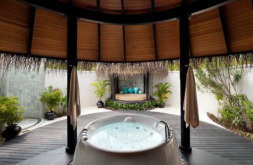 Badezimmer der Beach Villa, The Sun Siyam Iru Fushi, Maldives