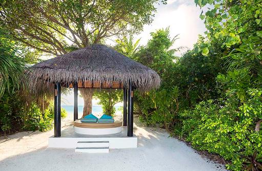 Außenbereich der Pool Beach Villa, The Sun Siyam Iru Fushi, Maldives