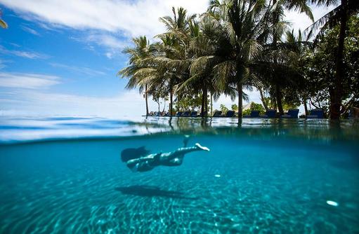 Tauchen im Pool,The Sun Siyam Iru Fushi, Maldives