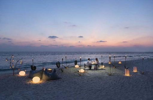 Beach Dining, The Westin Maldives Miriandhoo Resort