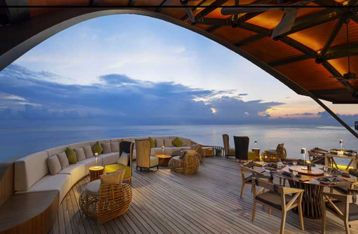 The Pearl Bar, The Westin Maldives Miriandhoo Resort