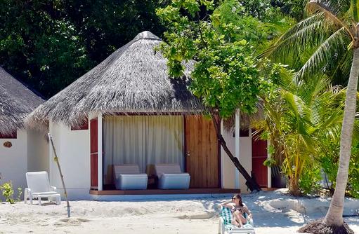 Standard Deluxe, Meerzugang, Thulhagiri Island Resort, Maldives