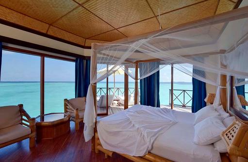 Water Bungalow, Schlafzimmer, Meerblick, Thulhagiri Island Resort, Maldives