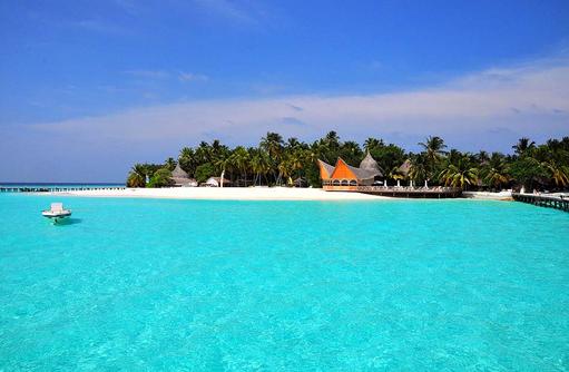 Blick vom Meer auf die Insel, Thulhagiri Island Resort, Maldives