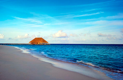 Aragu Restaurant & Cru Lounge, Blick vom Meer, Velaa Private Island Maldives