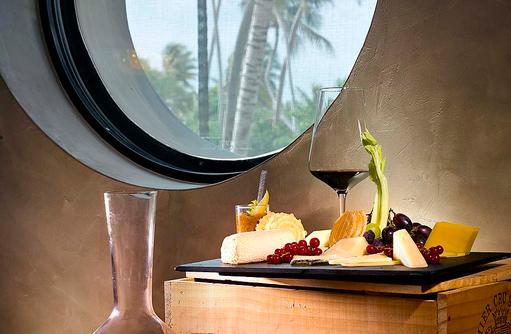 Tavaru, Weinkeller, Käse und Wein, Velaa Private Island Maldives